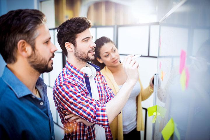 Escola de negócios: faça cursos sob medida