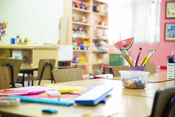 Ser professor: brinquedoteca cheia de brinquedos para ensinar